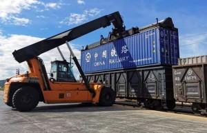 云南省铁路运输恢复性增长 上半年发送2847万吨 集装箱运输同比增12.6%